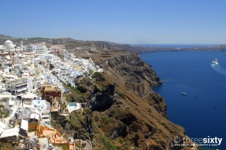 Discover the breathtaking Oia Santorini Kima Villas town with view of the Aegean Sea